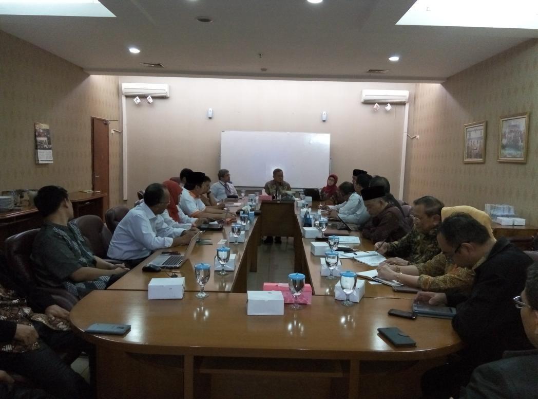 Diskusi tentang Waqf Core Principles di BWI (9/9/2015)  - CObbRf VAAANRdI - Indonesia Jadi Pusat Pengembangan Wakaf Dunia