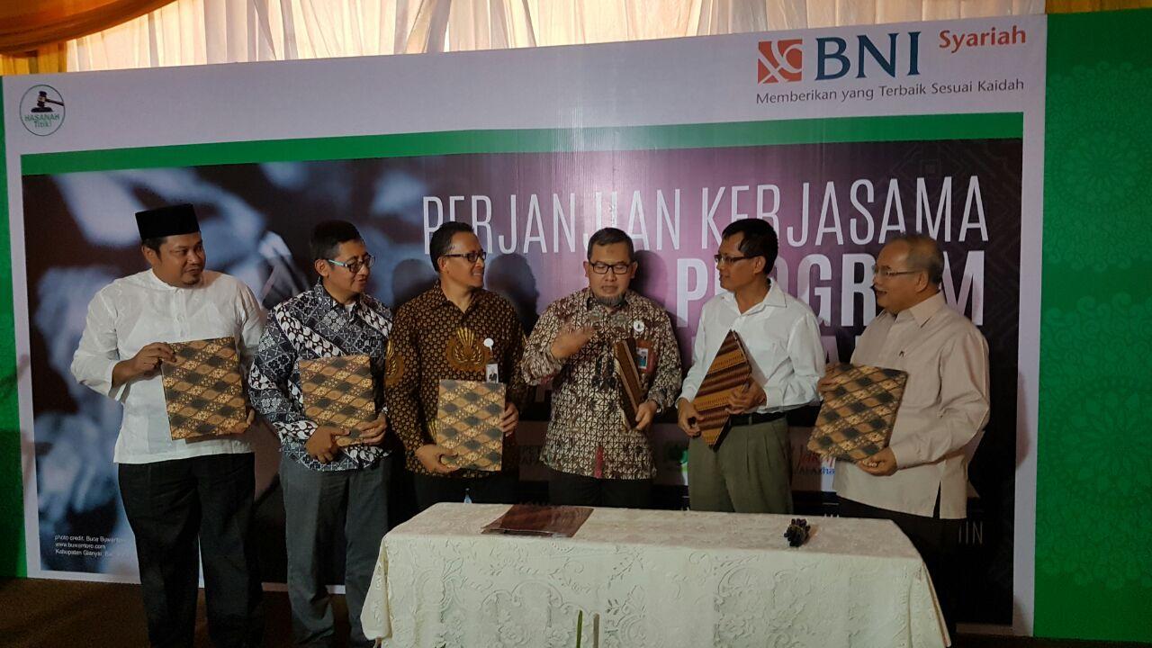 - 20161114 peluncuran wakaf hasanah - BNI Syariah Luncurkan Wakaf Hasanah Bekerja Sama dengan Empat Nazhir