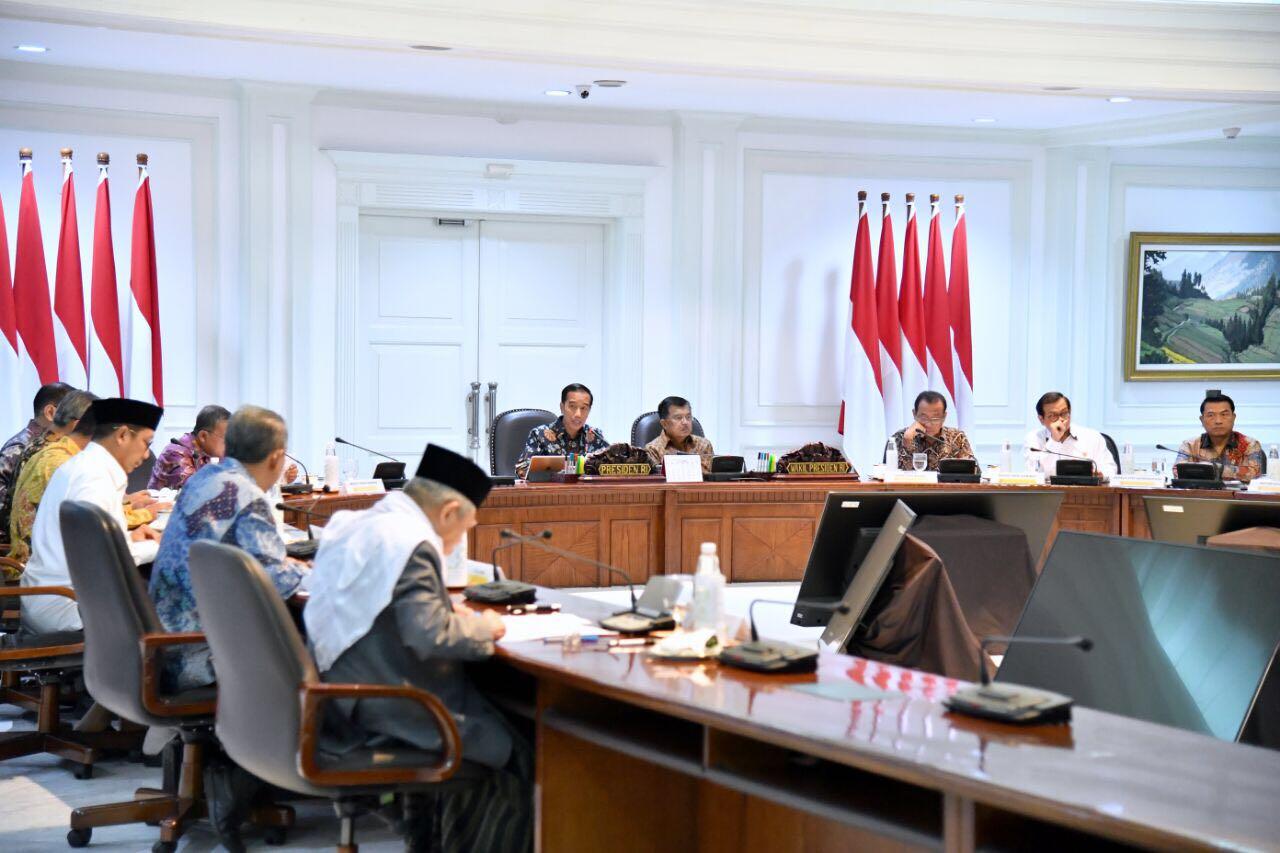 - presiden knks wakaf - Presiden Jokowi: Indonesia Harus Jadi Penggerak Utama Perekonomian Syariah