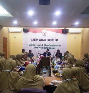 Mahasiswa Universitas Darussalam Putri cabang Ngawi, melakukan kunjungan ke Badan Wakaf Indonesia (BWI), Senin, 02/09/2019.