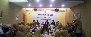 Mahasiswa Universitas Darussalam Putri cabang Ngawi, melakukan kunjungan ke Badan Wakaf Indonesia (BWI), Senin, 02/09/2019.  - Universitas Darussalam Ngawi Lakukan Kunjungan Ilmiah ke BWI 370x150 - Universitas Darussalam Gontor Lakukan Kunjungan Ilmiah ke BWI