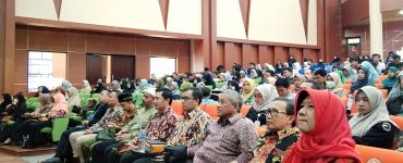 Prof. Dr. Ir. Mohammad Nuh, DEA menghadiri Wakaf Goes to Campus 7 Bogor wakaf mengubah mindset dari konsumtif ke produktif - Wakaf Goes to Campus 7 Bogor  370x150 - Wakaf Mengubah Mindset dari Konsumtif ke Produktif