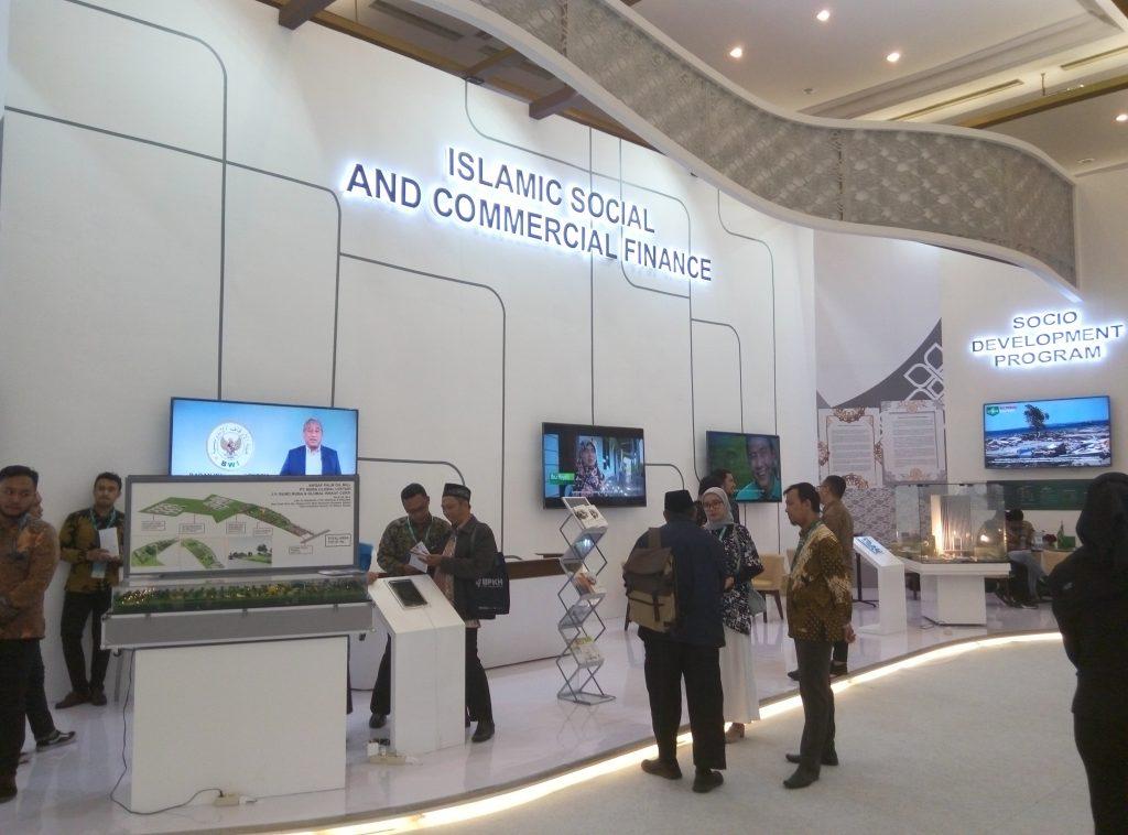 - P91114 143141 1024x758 - Melalui ISEF 2019, BWI Kenalkan Produk Wakaf Produktif Indonesia kepada Dunia