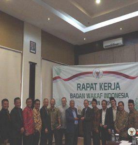 Materi Webinar Pembinaan Penguatan Kelembagaan Perwakilan BWI  - Arahan Raker Badan Wakaf Indonesia 2019  285x300 - Materi Webinar Pembinaan Penguatan Kelembagaan Perwakilan BWI