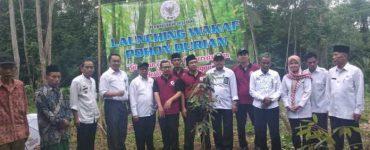 Badan Wakaf Kota Serang Mewakafkan Pohon Durian Kepada Masyarakat Untuk di Produktifkan  - Badan Wakaf Kota Serang Mewakafkan Pohon Durian Kepada Masyarakat Untuk di Produktifkan 370x150 - Badan Wakaf Kota Serang Dorong Pertumbuhan Wakaf Produktif