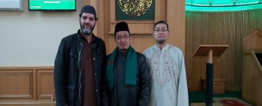 Berwakaf dan Bergaining Kematian  - Wakaf Komunitas Ashton Central Mosque Inggris 370x150 - Berwakaf dan Bergaining Kematian