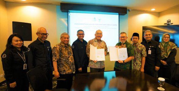 Badan Wakaf Indonesia dan Bank Mega Syariah Perkuat CWLS cash waqf linked sukuk - Badan Wakaf Indonesia dan Bank Mega Syariah Perkuat CWLS 585x300 - Tingkatkan Wakaf Produktif, BWI dan BMS Kerjasama Investasi CWLS