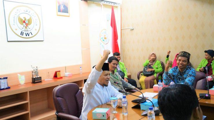 PUASA, DHU'AFA DAN GASEBU wakaf - Kunjungan Mahasiswa STAI DARUSSALAM LAMPUNG KE BWI00 doc large 740x417 - BWI Ajak Mahasiswa STAI Darussalam Lampung Sosialisasikan Wakaf