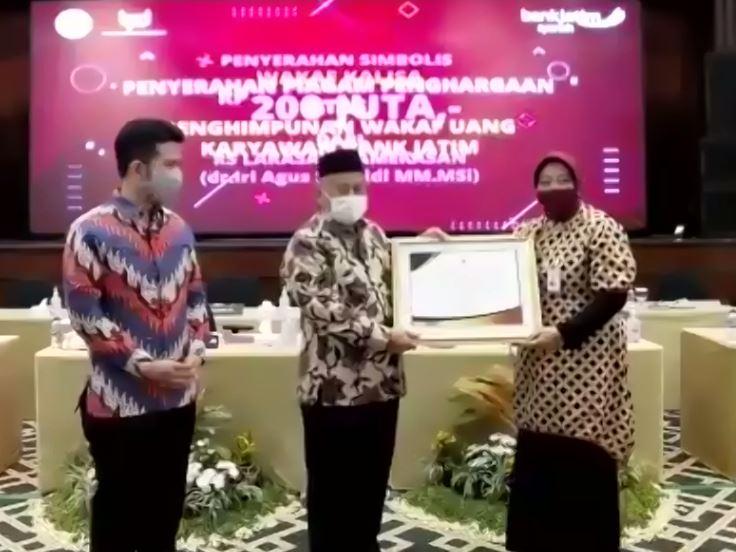 Badan Wakaf Indonesia Meluncurkan KALISA Sebagai Gerakan Wakaf Nasional Untuk Membantu Penanganan Covid-19  - Capture - Badan Wakaf Indonesia Meluncurkan KALISA Sebagai Gerakan Wakaf Nasional Untuk Membantu Penanganan Covid-19