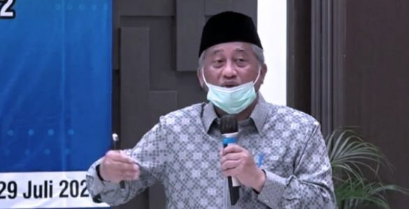 Badan Wakaf Indonesia Tegaskan Wakaf Uang Tidak Sepeserpun Masuk ke Kas Negara  - Dahsyat Manfaat Gemar Wakaf Bisa Menopang Ekonomi Masyarakat 585x300 - Dahsyat! Manfaat Gemar Berwakaf Bisa Menopang Ekonomi Masyarakat