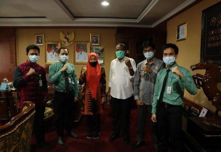 Wakil Bupati Serang Sampaikan Berobat Kini Tak Perlu Jauh-Jauh, Kini Rumah Sakit Khusus Mata Sudah Ada di Banten  - photo 2020 07 04 09 55 07 435x300 - Wakil Bupati Serang Sampaikan Berobat Kini Tak Perlu Jauh-Jauh, Sekarang Rumah Sakit Khusus Mata Sudah Ada di Banten