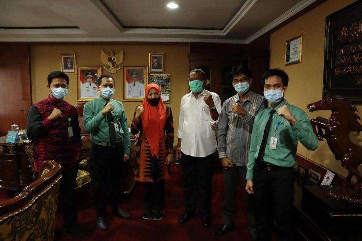 Wakil Bupati Serang Sampaikan Berobat Kini Tak Perlu Jauh-Jauh, Kini Rumah Sakit Khusus Mata Sudah Ada di Banten  - photo 2020 07 04 09 55 07 740x493 - Wakil Bupati Serang Sampaikan Berobat Kini Tak Perlu Jauh-Jauh, Sekarang Rumah Sakit Khusus Mata Sudah Ada di Banten