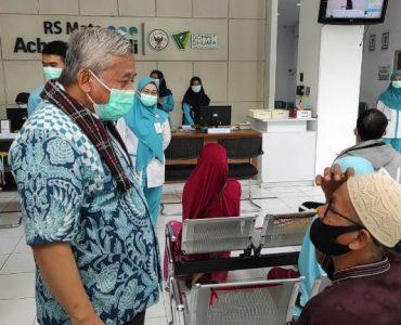 Rumah sakit Wakaf, Selamatkan Manusia di Dunia dan Akhirat  - Berkunjung ke RS Mata Achmad Wardi Ketua BWI Capain Baik Harus Terus Ditingkatkan 370x300 - Rumah Sakit Wakaf, Selamatkan Manusia di Dunia dan Akhirat