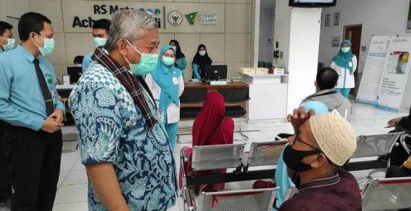 Rumah sakit Wakaf, Selamatkan Manusia di Dunia dan Akhirat  - Berkunjung ke RS Mata Achmad Wardi Ketua BWI Capain Baik Harus Terus Ditingkatkan 585x300 - Rumah Sakit Wakaf, Selamatkan Manusia di Dunia dan Akhirat