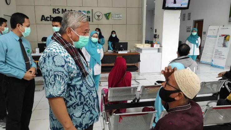 Rumah sakit Wakaf, Selamatkan Manusia di Dunia dan Akhirat  - Berkunjung ke RS Mata Achmad Wardi Ketua BWI Capain Baik Harus Terus Ditingkatkan 740x416 - Berkunjung ke RS Mata Achmad Wardi, Ketua BWI: Capaian Baik Harus Terus Ditingkatkan!