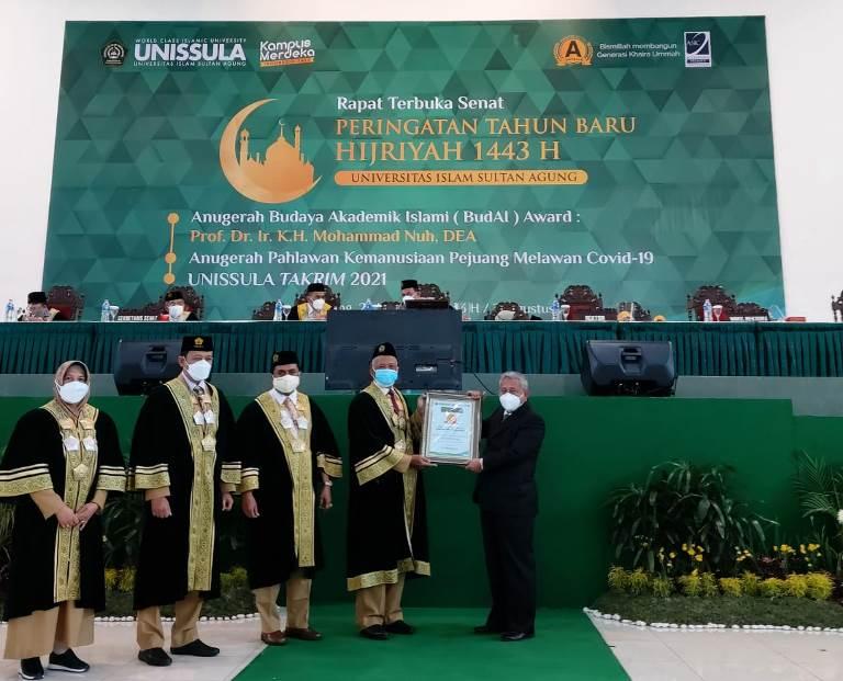 Ketua BWI Dapat Penghargaan Budaya Akademik Islam Award  - IMG 20210831 WA0003 - Ketua BWI Dapat Penghargaan Budaya Akademik Islam Award